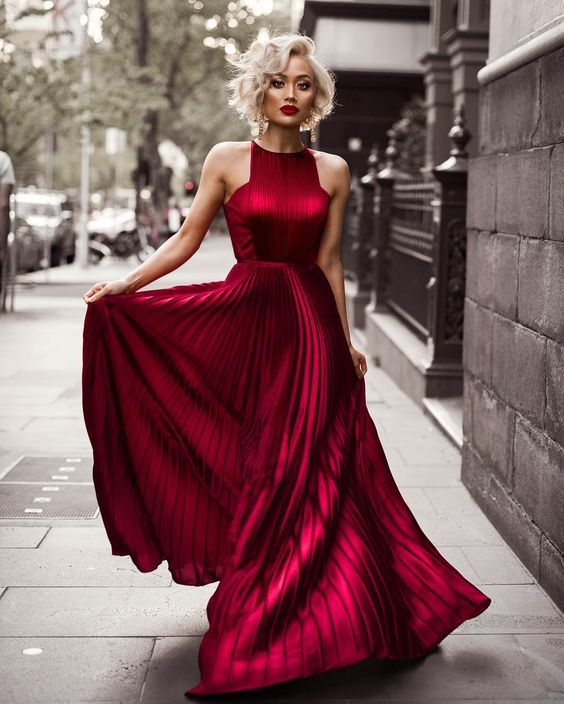 2017 New Fashion Evening Gown Red Prom Dress Ball Beaded Bodice Princess Dresses