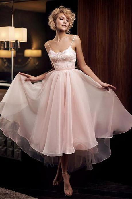 Beautiful Tulle & Satin Spaghetti Straps Neckline Tea-length A-line Cocktail Dresses With Beaded Lace Appliques