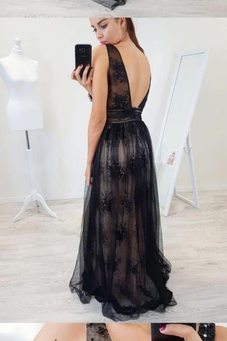 A-Line V-Neck Backless Floor-Length Black Prom Dress with Appliques Beading