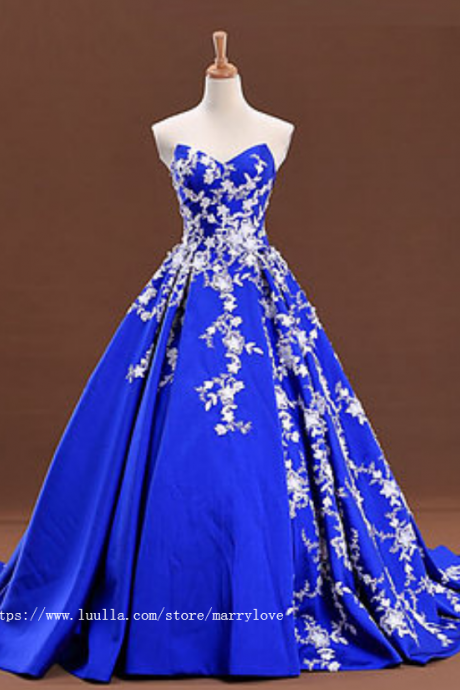Sweetheart neck royal blue satin long senior prom dress with lace applique