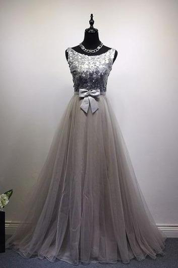 Gray Prom Dress,Tulle Evening Dresses,O-Neck Prom Dresses,Appliques Prom Gown